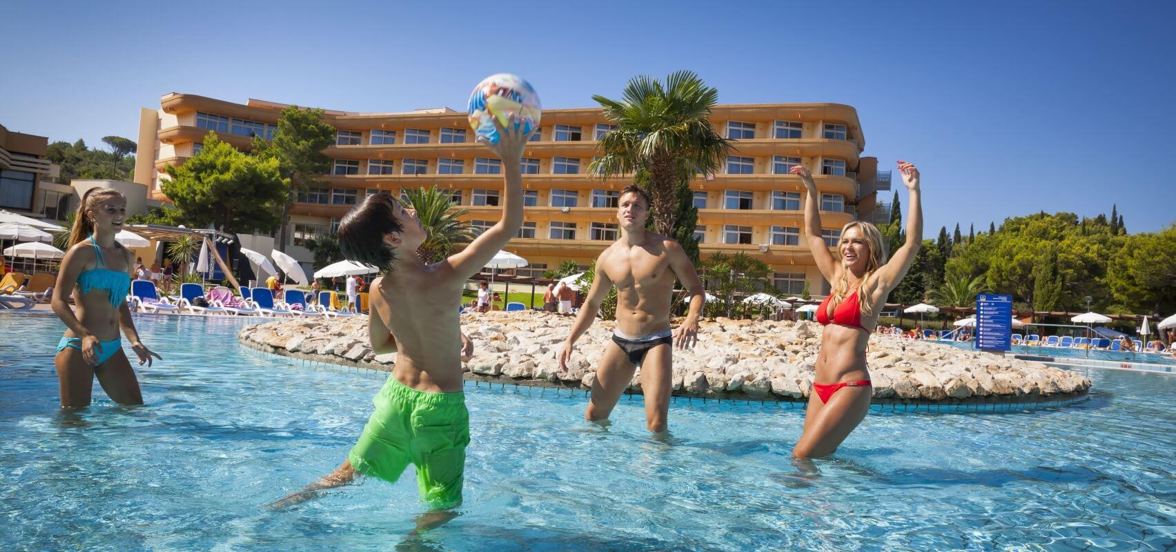 Hotel pool with people  Hotel Albatros Cavtat in Kroatien | Remisens